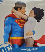 DC Designer Series Superman & Lois Lane By Frank Statue