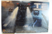 Terminator 2 Hunter Killer Tank 1/32 Scale Model Kit