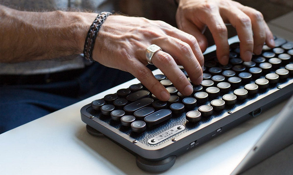 COOL MATERIAL: Azio Retro Compact Keyboard
