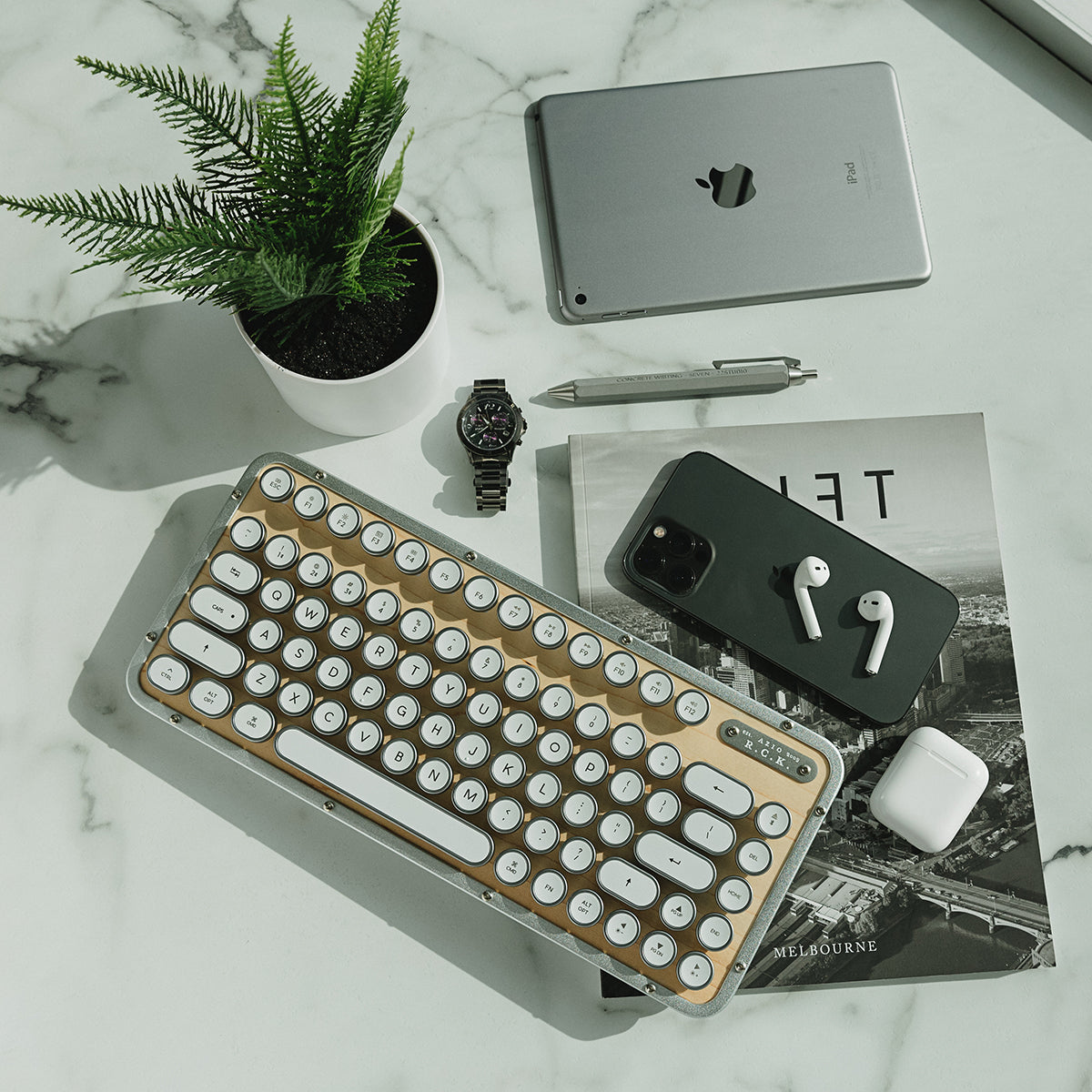 RETRO COMPACT KEYBOARD (RCK)