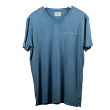 Load image into Gallery viewer, MEN'S HAND-STITCHED TEE BLEU 'REP PRESENT'
