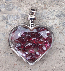 Crystal Chips in Faceted Glass Heart Pendant Necklace