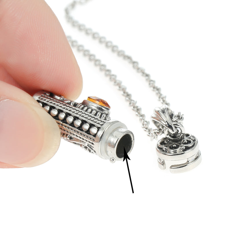 Capsule Hollow Tube Necklace