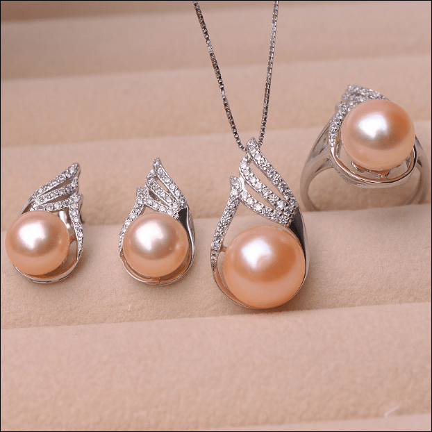 Evergreen Pearl Set