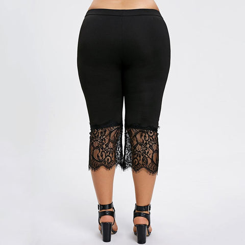Ladies Plus Size Three Quarter Leggings With Bottom Lace Detail