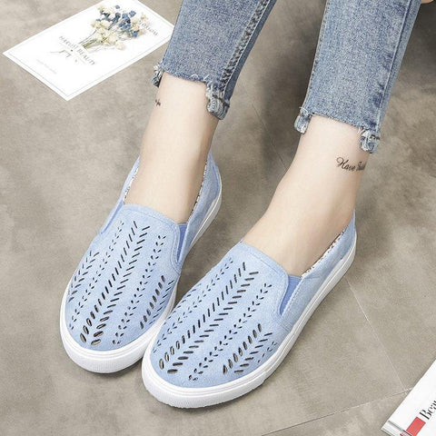 Image of Comfy suede patterned flats