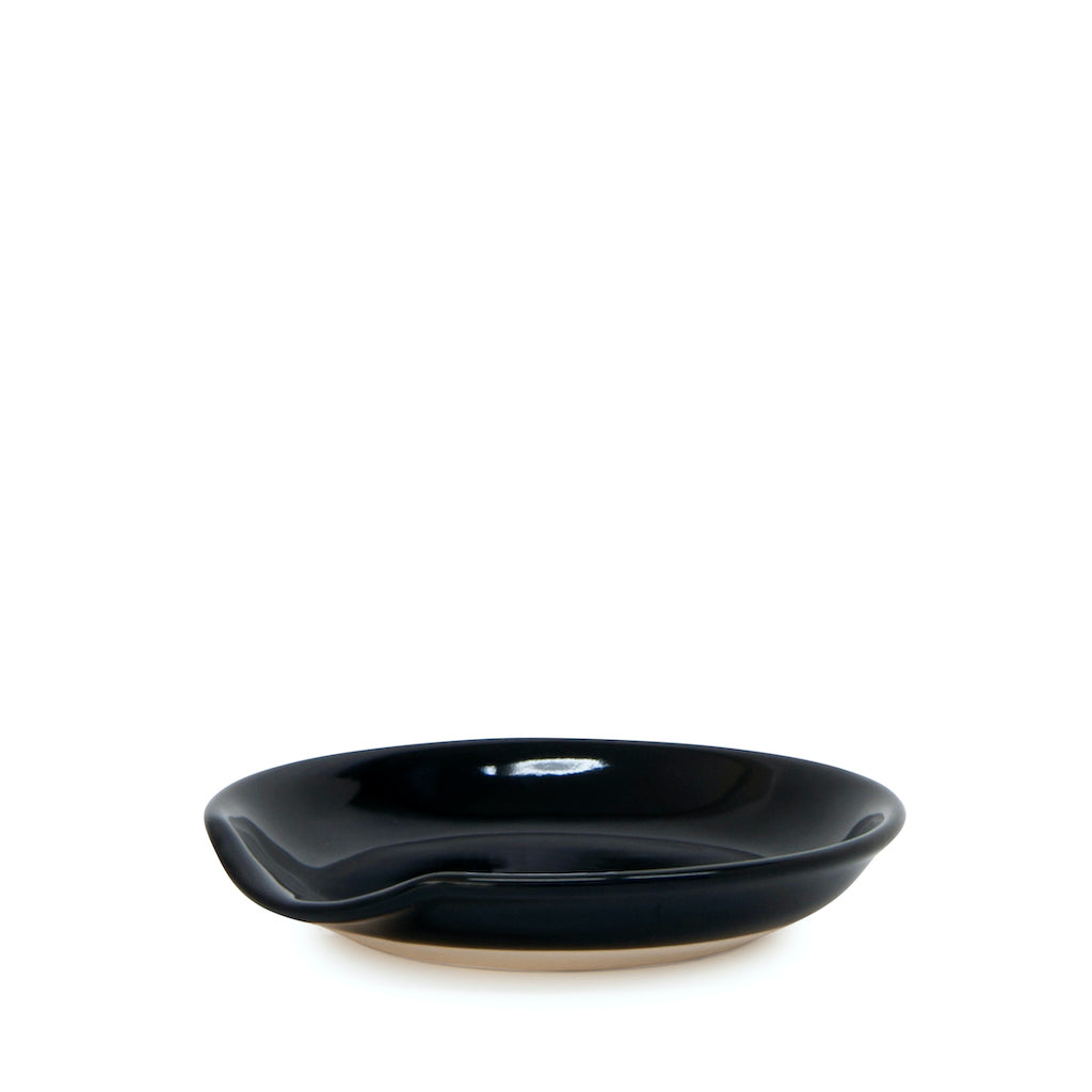 This black 12cm spoon rest from Salt&Pepper's BEACON collection offers display-worthy function for your kitchen. Made from durable stoneware. Helps keep your bench top clean while cooking. Top rack: dishwasher safe.| Bliss Gifts & Homewares | Unit 8, 259 Princes Hwy Ulladulla | South Coast NSW | Online Retail Gift & Homeware Shopping | 0427795959, 44541523