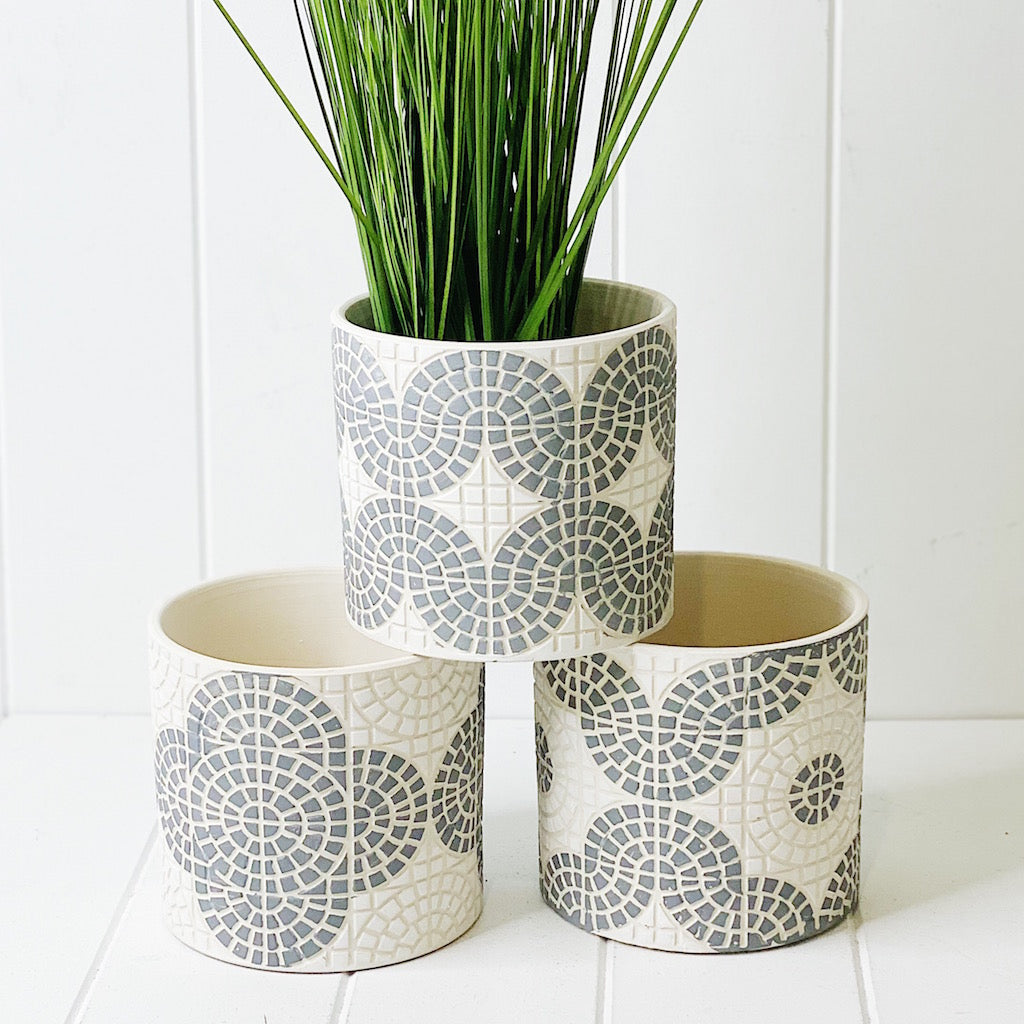 Our unique Bricka Pots - White & Grey is your go to for succulents, cactus or any other variety of plant. Measures: 13.5x13.5x12.5cm. Material: Terracotta.| Bliss Gifts & Homewares | Unit 8, 259 Princes Hwy Ulladulla | South Coast NSW | Online Retail Gift & Homeware Shopping | 0427795959, 44541523