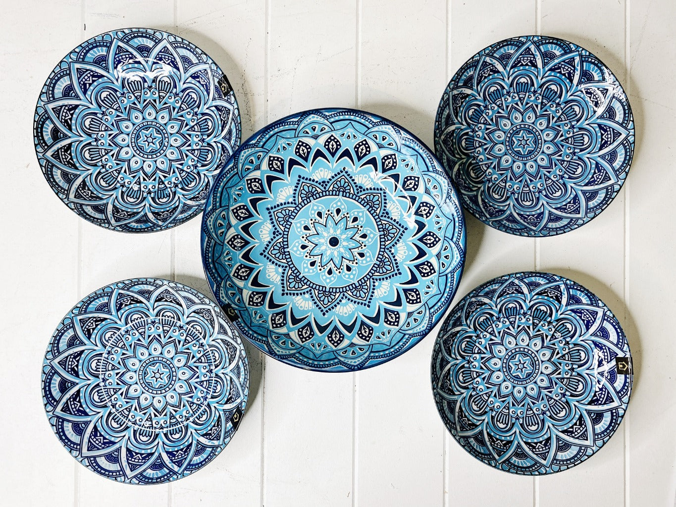 Casablanca 5 Piece Pasta Set has everything you need for the perfect Italian night with your friends and family. Enjoy the striking bright blue patterns which are sure to be the stand out pieces on the table. Shop online or instore. AfterPay available. Australia wide Shipping. | Bliss Gifts & Homewares | Unit 8, 259 Princes Hwy Ulladulla | South Coast NSW | 0427795959, 44541523