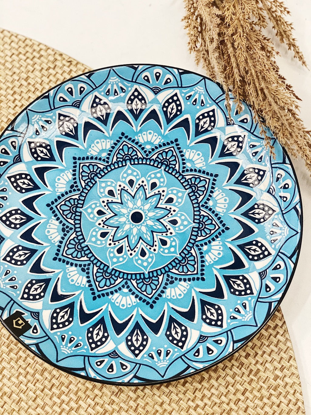 Our Large Casablanca Dinner Plate is perfect for serving dinner or large meals. Our Casablanca Large plate is 27cm in diameter, 2cm in height. All of our ceramic Casablanca Dinner and Serving ware is commercial grade quality.| Bliss Gifts & Homewares | Unit 8, 259 Princes Hwy Ulladulla | South Coast NSW | Online Retail Gift & Homeware Shopping | 0427795959, 44541523