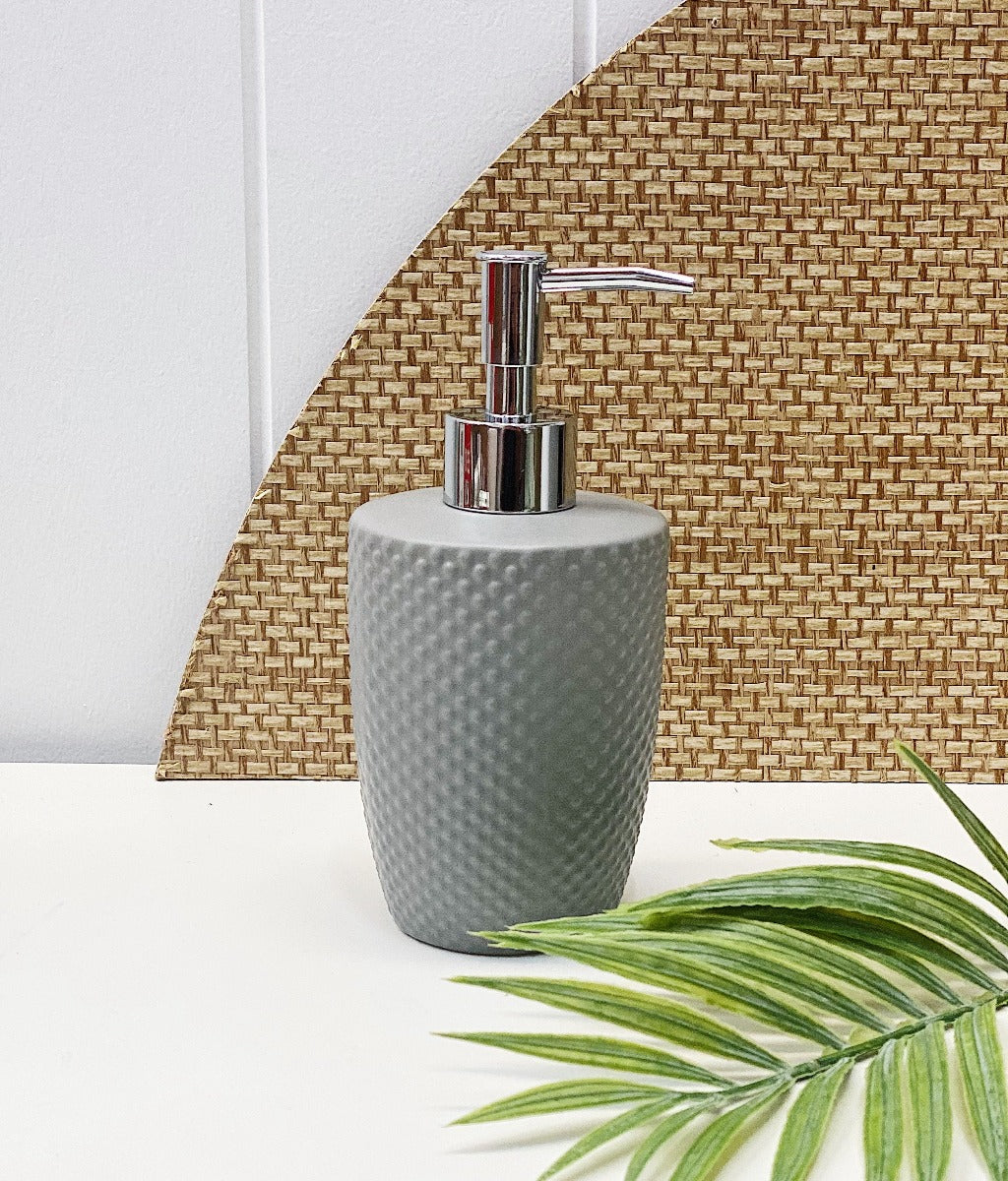 Update your bathroom with the classic styling of the Emboss Dispenser in cloud. This 18cm ceramic soap dispenser is ideal for your liquid hand wash and features a spotted embossed textured finish.| Bliss Gifts & Homewares | Unit 8, 259 Princes Hwy Ulladulla | South Coast NSW | Online Retail Gift & Homeware Shopping | 0427795959, 44541523