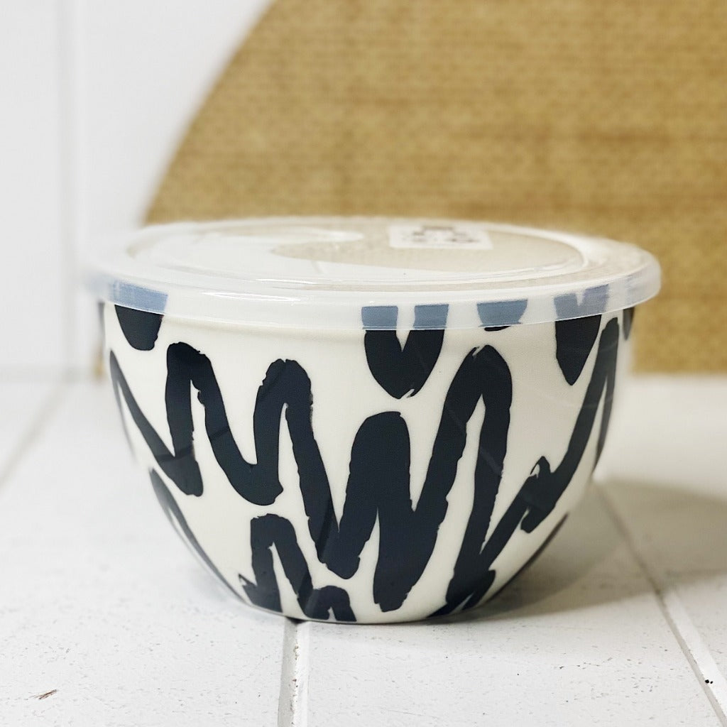 Lunch2Go Bowl with Lid – Desert - Salt&Pepper - airtight 15x9cm bowl in Desert - BPA-free lid with a vent - Microwave and dishwasher safe - porcelain bowl is ideal for work or travel. |Bliss Gifts & Homewares - Unit 8, 259 Princes Hwy Ulladulla - Shop Online & In store - 0427795959, 44541523 - Australia wide shipping