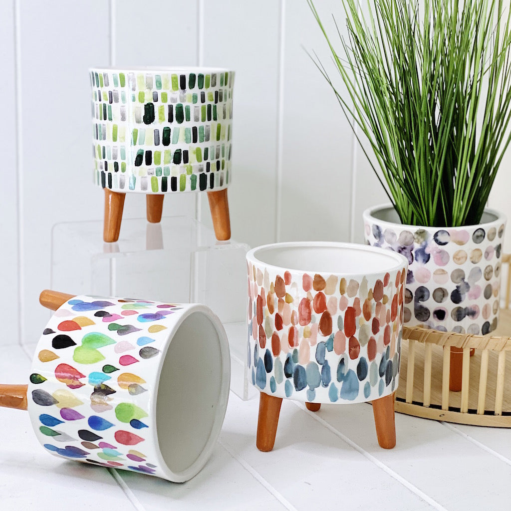 Add some artistic style to your home or garden with our beautiful range of Monet Pots with Legs in small. With 4 different designs available, there is sure to be a style for everyone and every space. Drainage hole and plug.| Bliss Gifts & Homewares | Unit 8, 259 Princes Hwy Ulladulla | South Coast NSW | Online Retail Gift & Homeware Shopping | 0427795959, 44541523