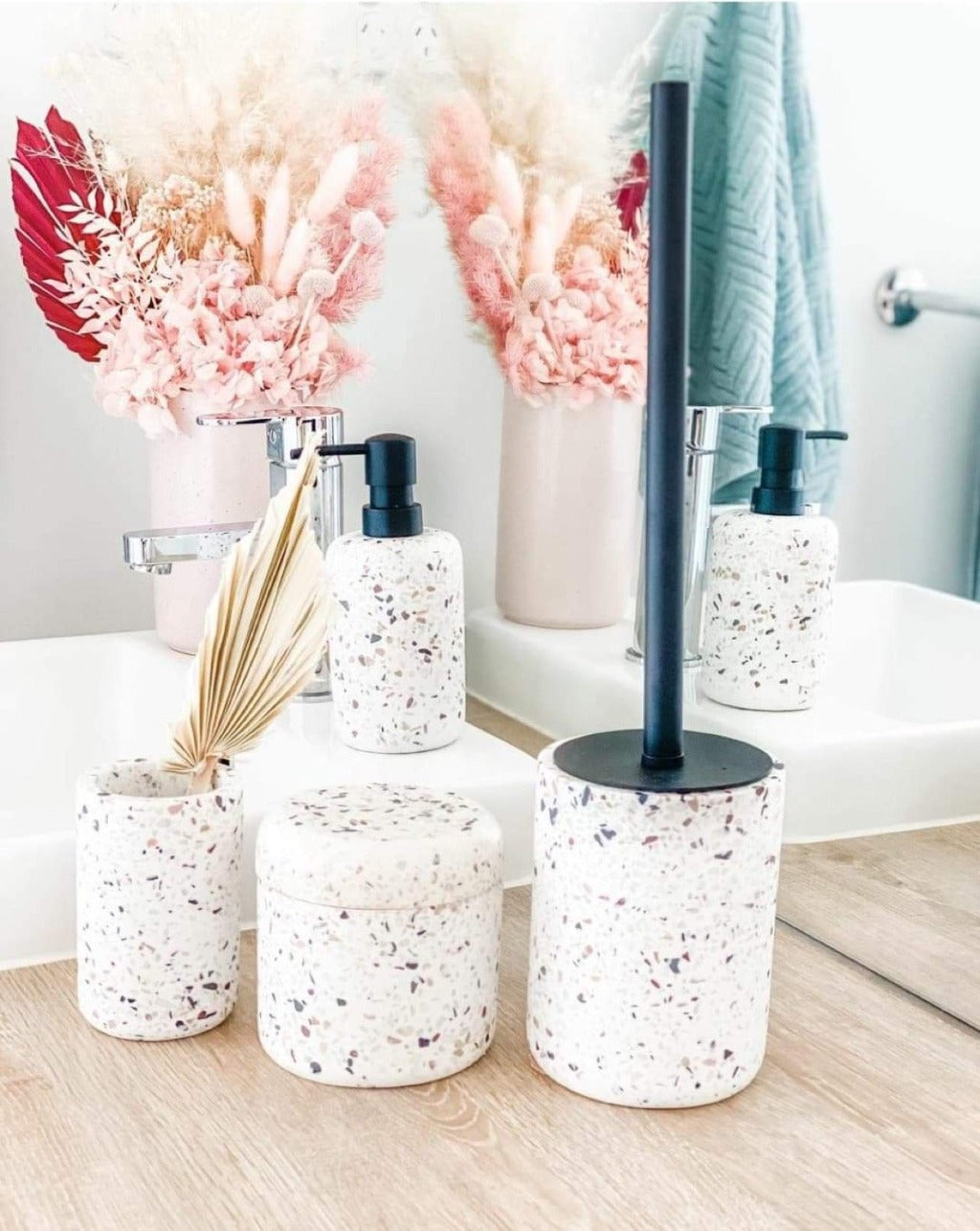 Venice White Terrazzo Tumbler - Salt&Pepper - Made from durable resin in a delightfully sleek shape - features a matte finish with an on-trend terrazzo inlay |Bliss Gifts & Homewares - Unit 8, 259 Princes Hwy Ulladulla - Shop Online & In store - 0427795959, 44541523 - Australia wide shipping