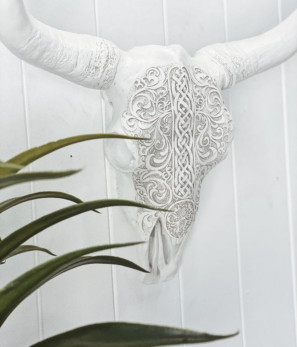 White Tribal Pattern Cow Skull - perfect for styling your Boho home, place in your entry way, living room, office or the bedroom - Polyresin cow skull wall art - light weight and easily wall mounted - ready to hang - 42cm |Bliss Gifts & Homewares - Unit 8, 259 Princes Hwy Ulladulla - Shop Online & In store - 0427795959, 44541523 - Australia wide shipping