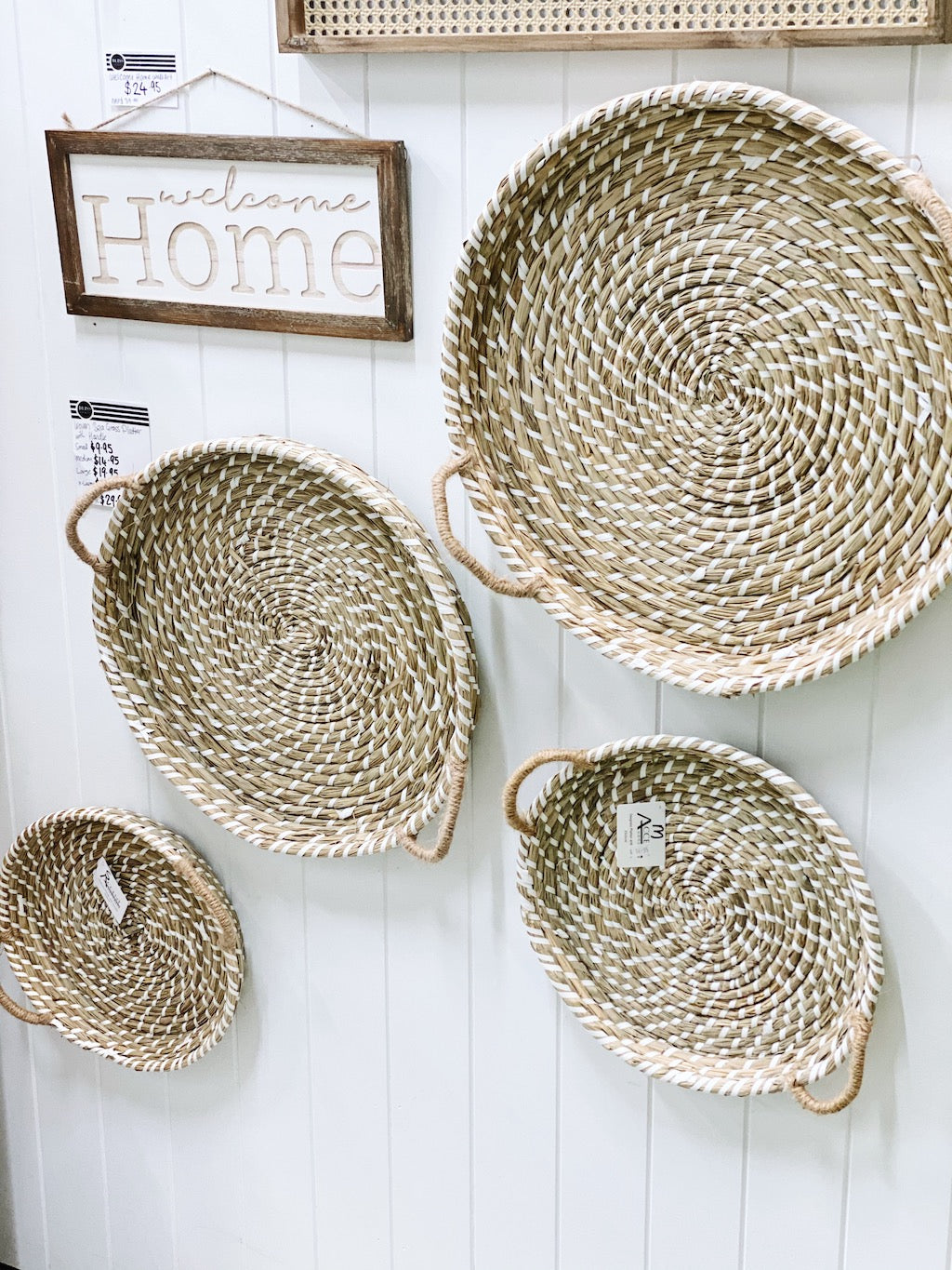 Spruce up your decor with our Woven Seagrass Platter with Handle. Available in five sizes.| Bliss Gifts & Homewares | Unit 8, 259 Princes Hwy Ulladulla | South Coast NSW | Online Retail Gift & Homeware Shopping | 0427795959, 44541523
