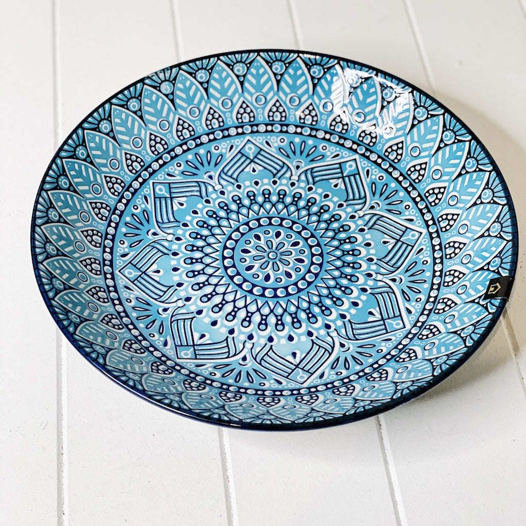 Bring the bright blue tones of the mediterranean into your dining room with our Casablanca Dining collection - Round Serving Platter. Beautiful pieces of serving ware that will have you entertaining for years to come.| Bliss Gifts & Homewares | Unit 8, 259 Princes Hwy Ulladulla | South Coast NSW | Online Retail Gift & Homeware Shopping | 0427795959, 44541523