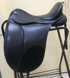 "Eurosport Pro Leather Dressage Saddle - 17"" Black"
