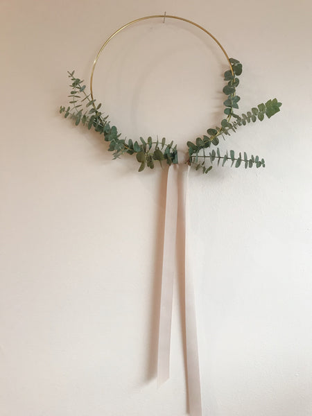 Minimal Gold Wreath - Small