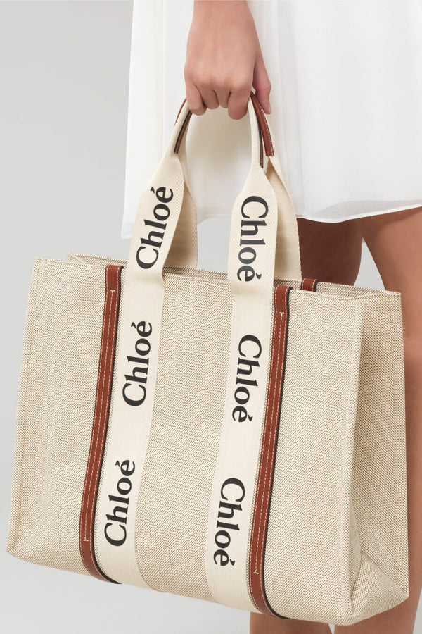 Chloé CHC21US382E66 Large Woody Tote Bag - White/ Brown Model