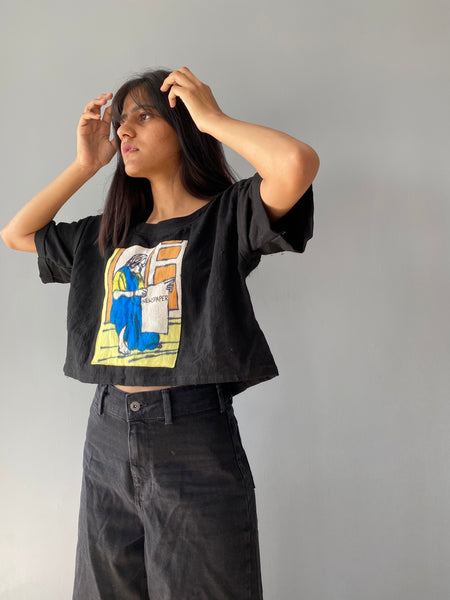 """Grandma reading newspaper "" Tee"