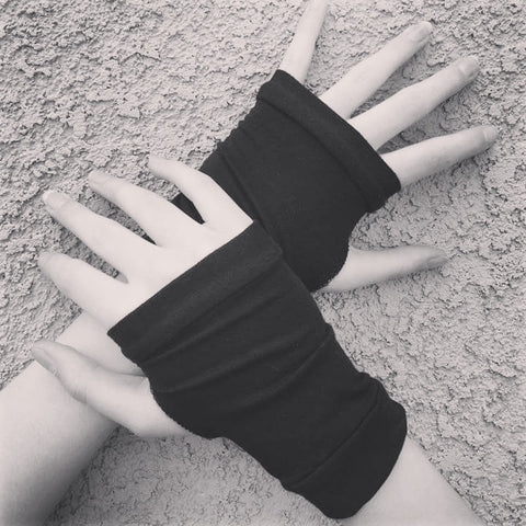 Bamboo black fingerless gloves