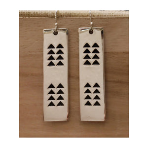 Ka Makaloa Earrings