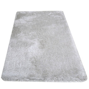 Fluffy White  Rug With A Silver Thread