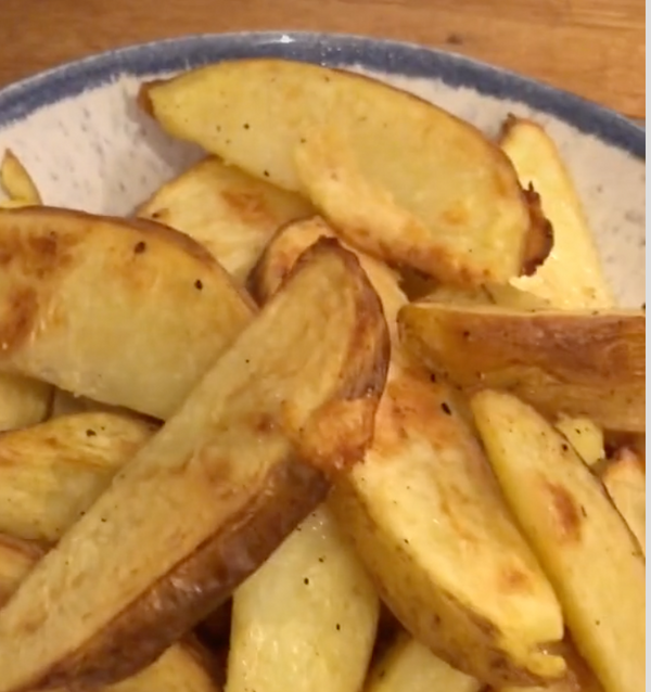 Mitch's Kitchen Potato Wedges