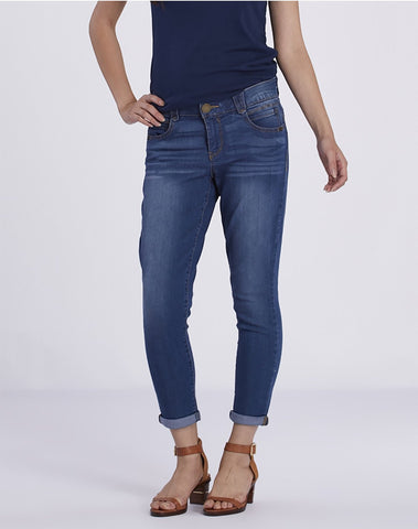 """Ab""solution Booty Lift Crop Jeans"