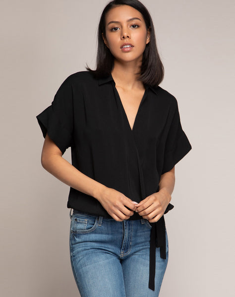 CHRISSY COLLARED WRAP TOP