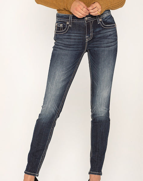 PICTURE PERFECT SKINNY JEANS