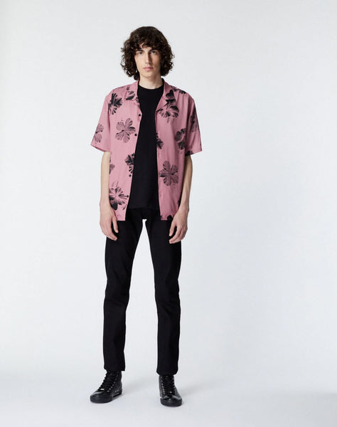 Printed pink shirt with short sleeves