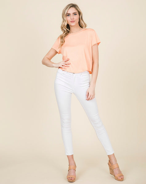 Young Contemporary Sleeveless Front Knotted Top.