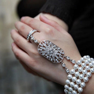 Pearl hand-chain with bracelet - La Veliere