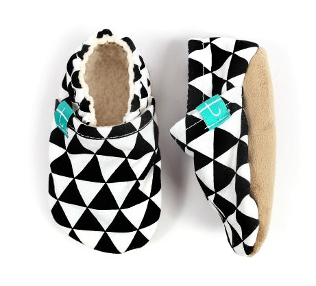 organic slippers black triangles