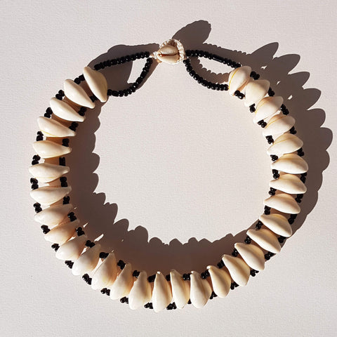 Van Verre Cowrie Shell Necklace Handmade - Unik by Nature