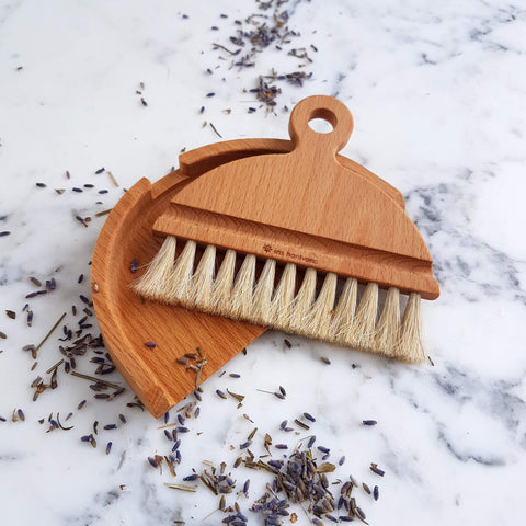 Iris Hantverk Table Brush Set Handmade