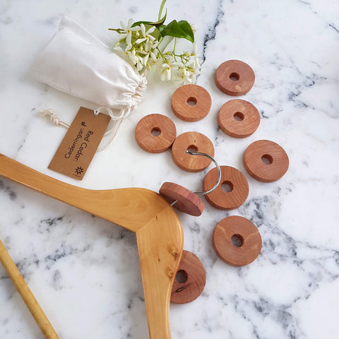 Red Cedar Wood Rings - Closet & Drawer Fragrance 10 pcs - Unik by Nature