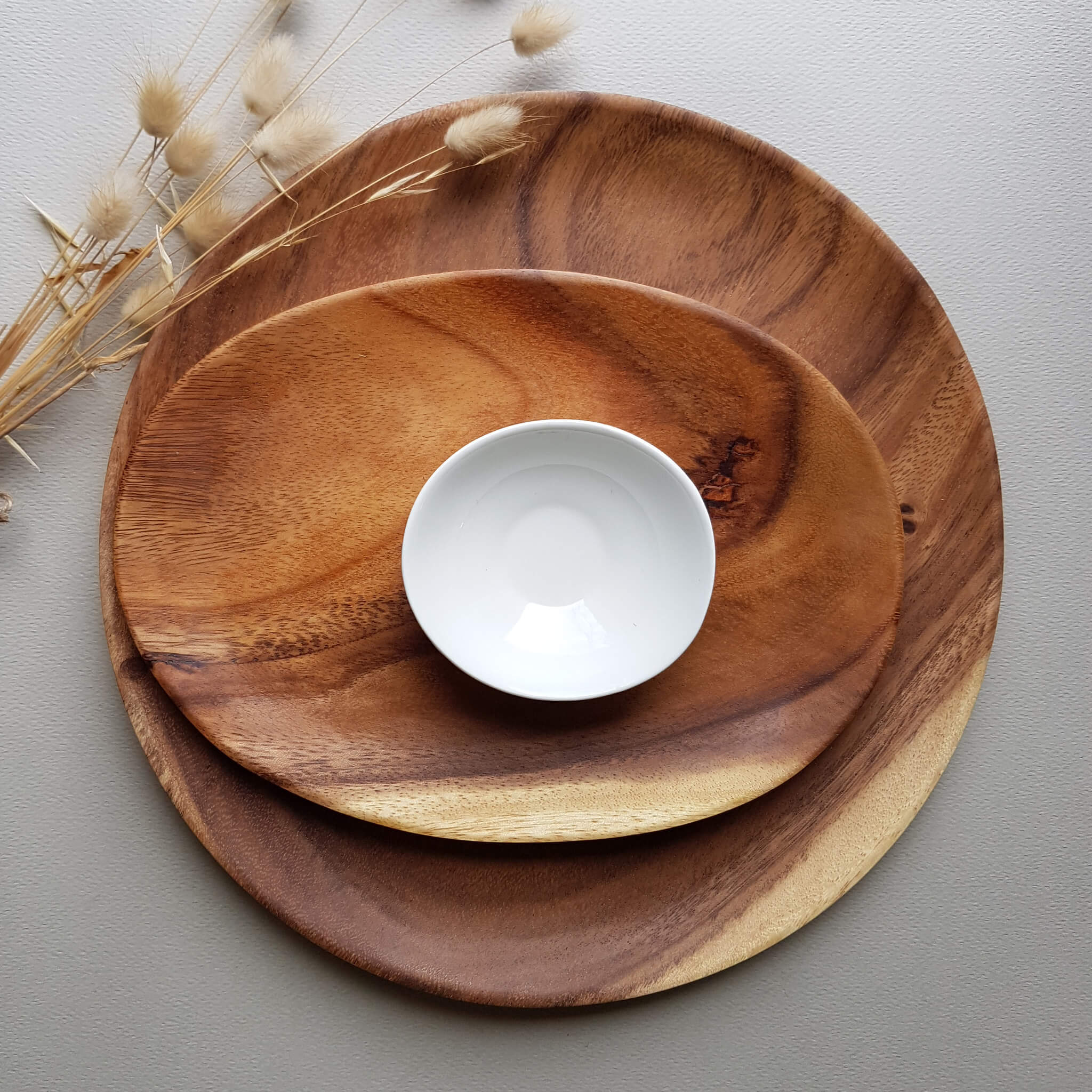 Sustainable Acacia wood Oval plate - Unik by Nature