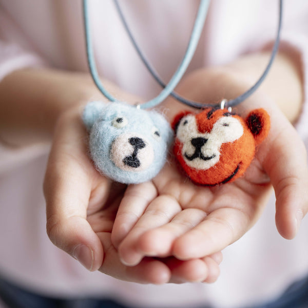 Necklaces Woolfelt Animals - 5 variants - Unik by Nature