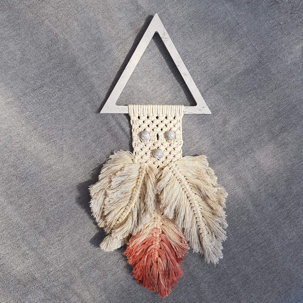 Perle de Béton Cockatoo Wall Decoration with Macramé - Unik by Nature