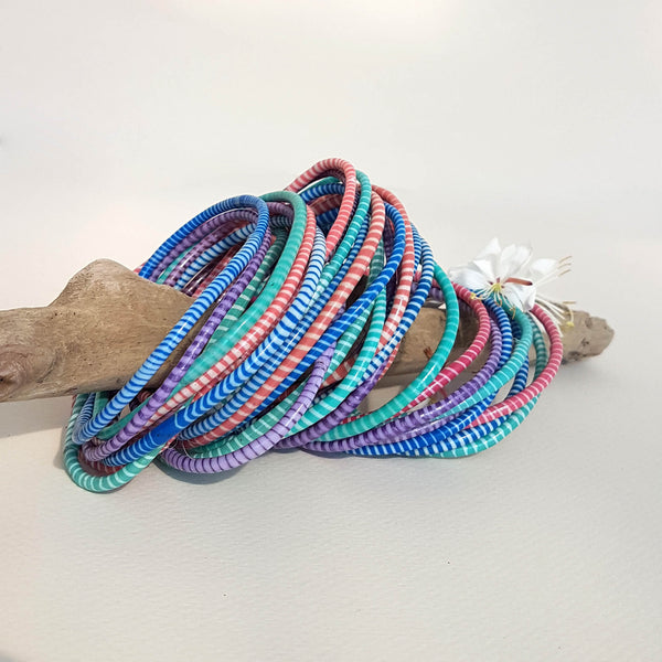 Van Verre Day at the Beach upcycled Flip-Flop bracelets set of 8 - Unik by Nature