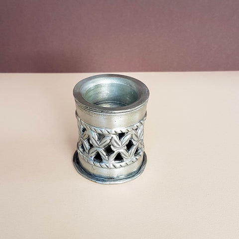 Tealight holder & Essential oil burner hand beaten metal size S - Unik by Nature