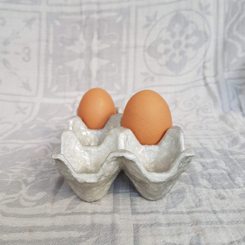 Egg holder - Capiz shell and recycled cardboard - Unik by Nature