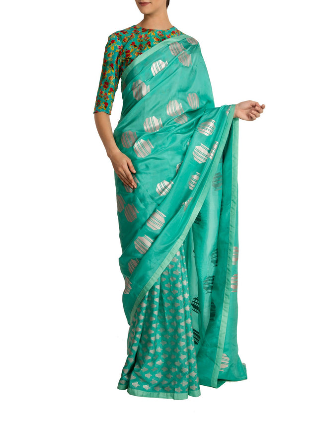 Aqua Kalash Khadi Pleats With Tribal Vase Palla & Aqua Floral Bunch Blouse Piece