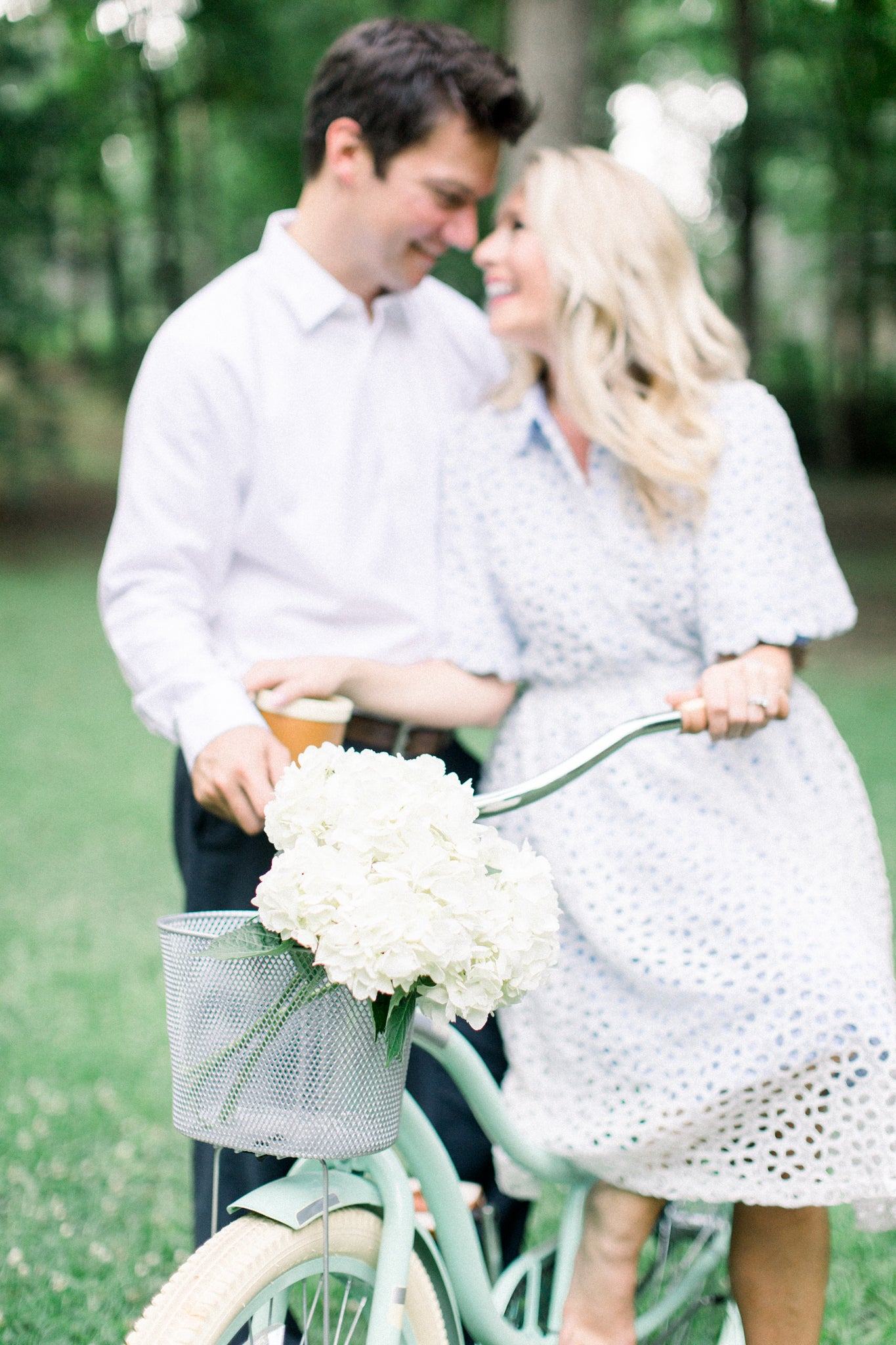 Your Go-To Fall Engagement Photo Dresses!