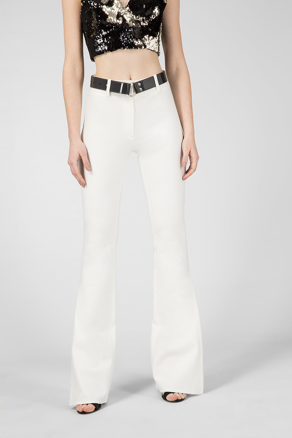 White knitted trousers