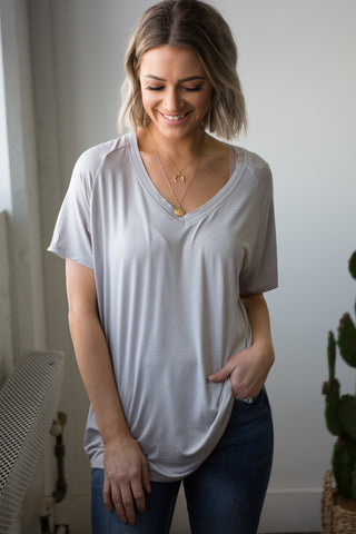 Avalon T-shirt Basic - boutique fashion - The Girls In Grey