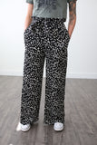 Sadie Print Pants - boutique fashion - The Girls In Grey